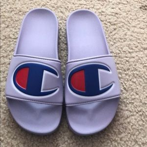 New Champion Berry Logo Slide Sandals Youth Sz 5Y